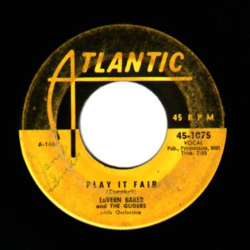 LAVERN BAKER - Play It Fair / That Lucky Old Sun - 45T (SP 2 titres)